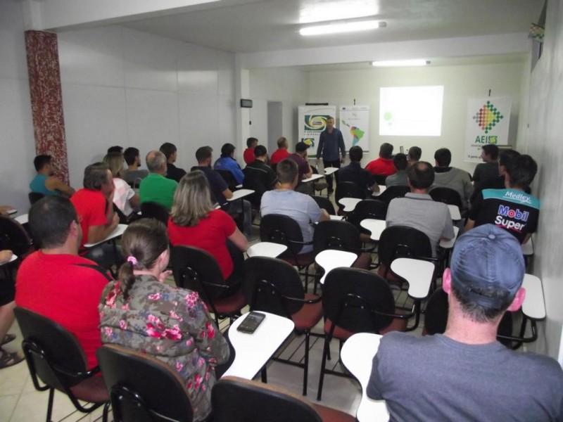 NAI - Núcleo Automotivo da AEI realiza palestra sobre Tendências Automotivas