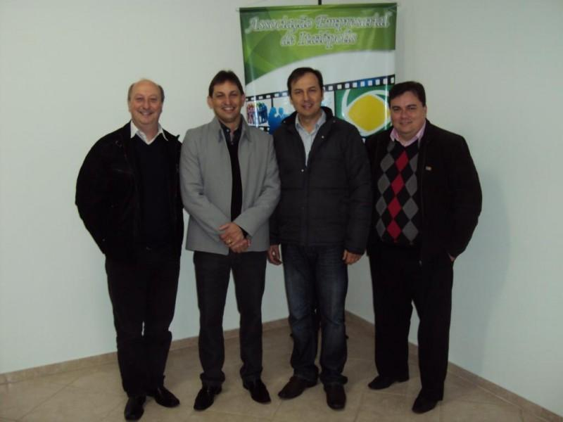 1° Café Palestra organizado pela AEI foi um grande sucesso