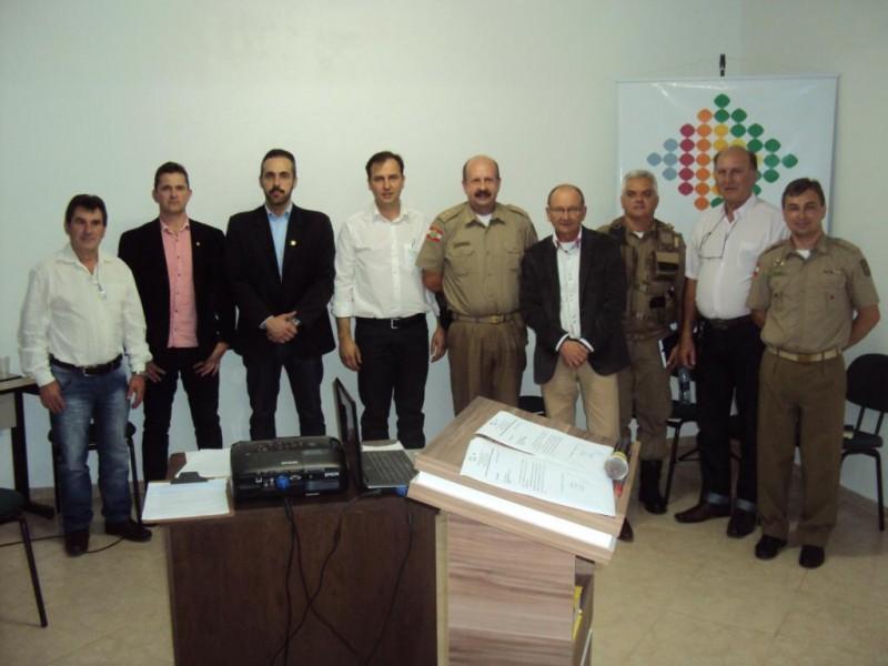 A AEI reuniu lideranças locais e regionais para debater a  Segurança Publica de Itaiópolis